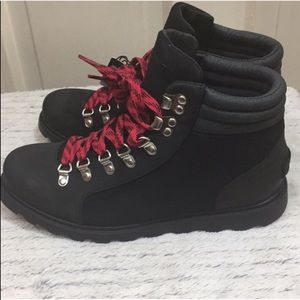 NWT — Sorel Ainsley Conquest Boots